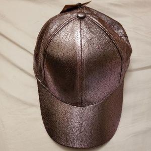 🆕️NWT Crackled Metallic Faux Leather Baseball Cap